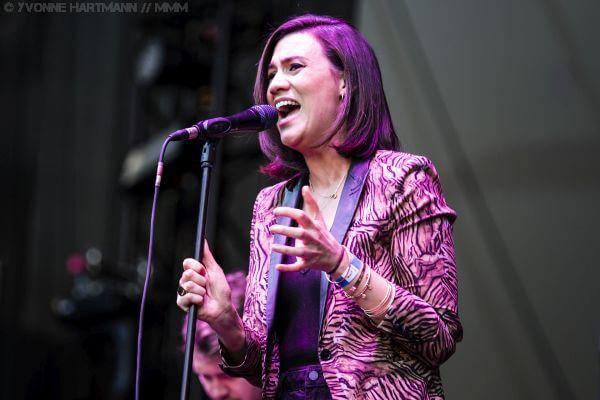 Nicke Cave live in der Waldbühne Berlin Support Nadine Shah Konzertbericht MUSIKMUSSMIT