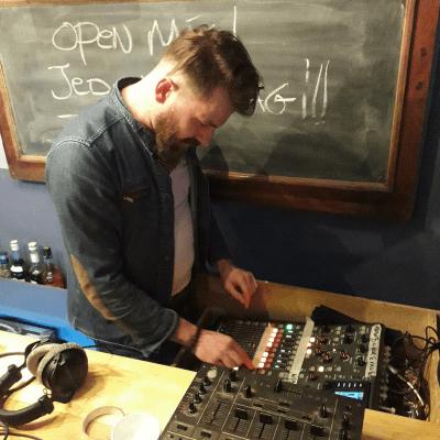 Read more about the article Hinter den Kulissen #4   Booker und Soundtechniker Michael Bennetsen