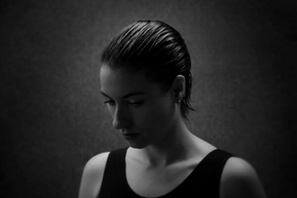 Lotis Tyr aus Berlin - Newcomerin im Interview