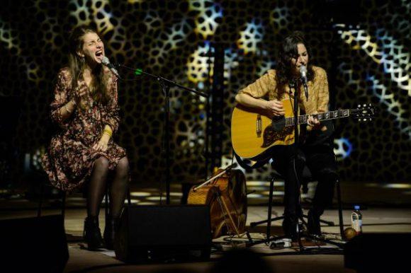 Read more about the article BOY live in der Elbphilharmonie Hamburg – Pop trifft auf Klassik