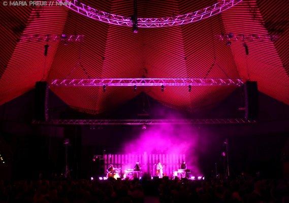 Feist live im Tempodrom Berlin Konzertbericht MUSIKMUSSMIT