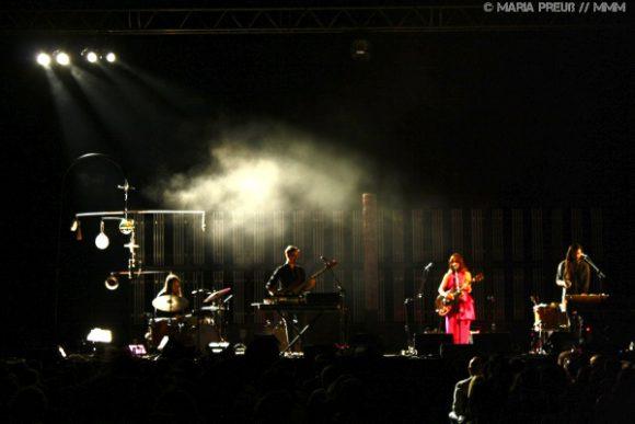 Read more about the article Feist mit ziemlich viel Liebe im Gepäck live in Berlin | Konzertbericht
