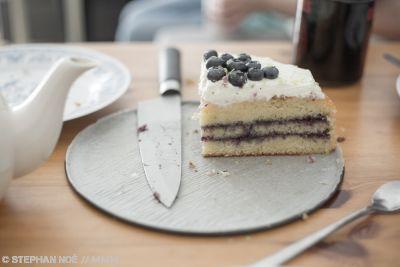Kuchenessen mit den Downhill Willows in Neukölln MUSIKMUSSMIT Foto Stephan Noe